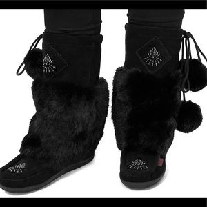 Mukluks black real fur hand beaded brown rubber sole suede waterproof Pom poms